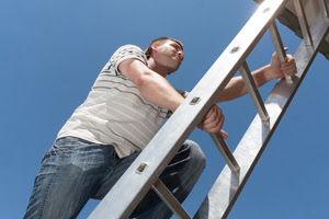 Safe Window Cleaning With Ladder Use Tips